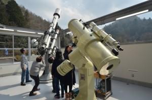 大型望遠鏡観測室 横型